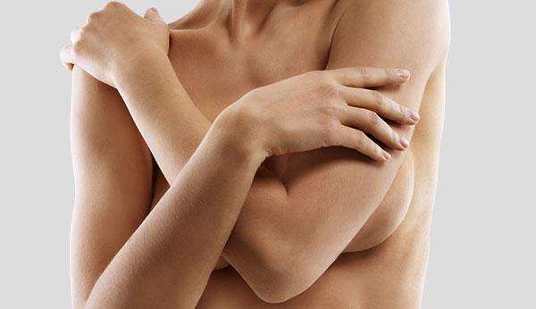 Comment prévenir les ondulations et les plis avec les implants mammaires ?